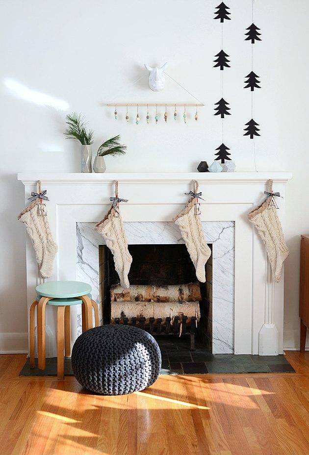 minimalistic mantel