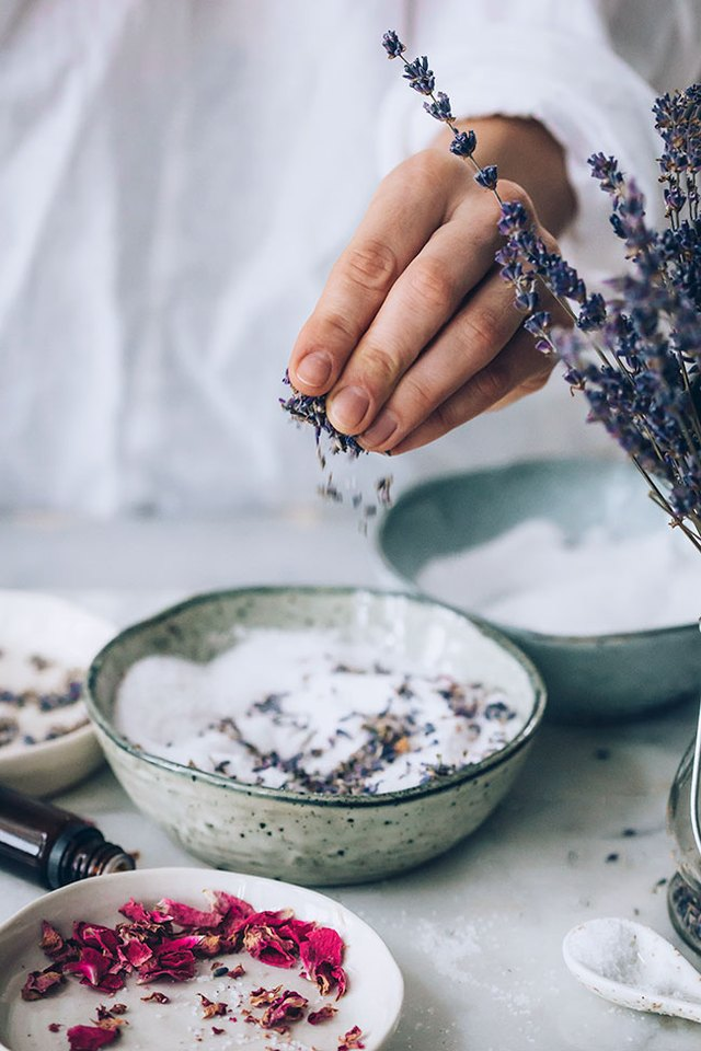 5 easy DIYs using lavender that will ease your stress (because 2020)