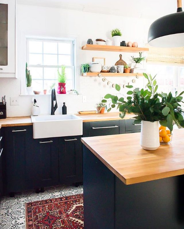 This Is How To Bring Warmth To A Black Kitchen Hunker
