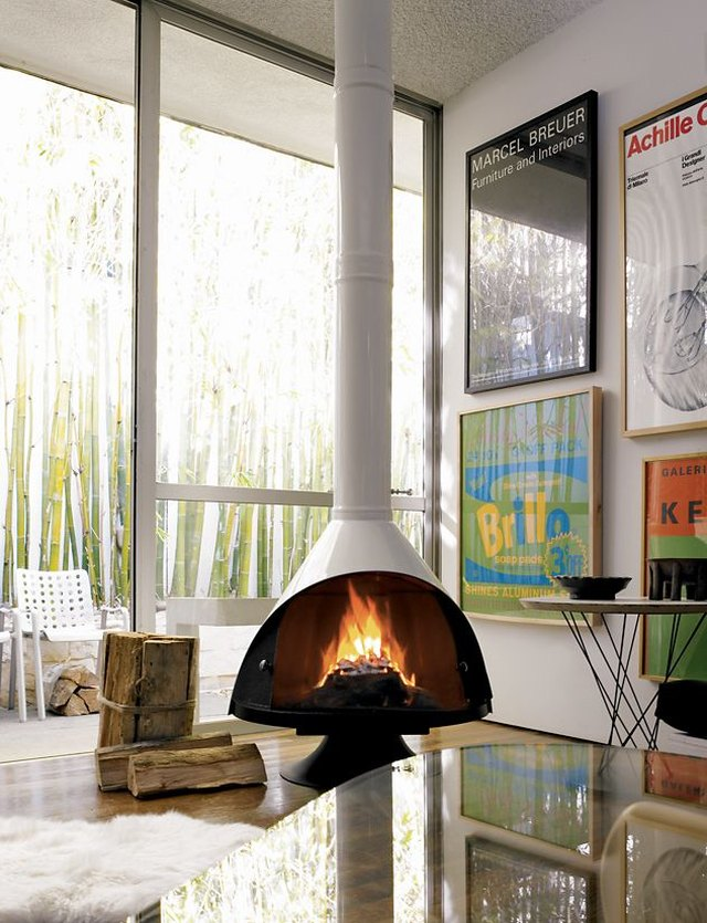 10 Midcentury Fireplaces That Are Heating Things Up | Hunker