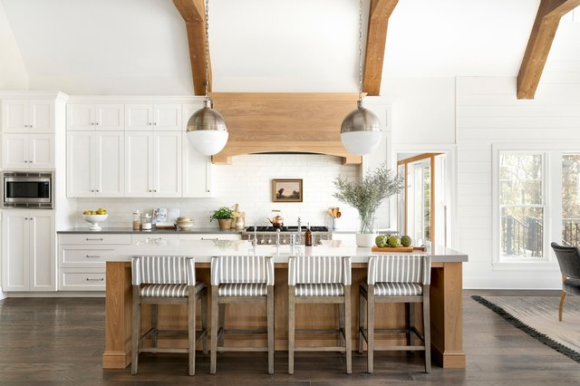 A Farmhouse Kitchen Floor Is the Charm Your Cook Space Has Been Missing | Hunker