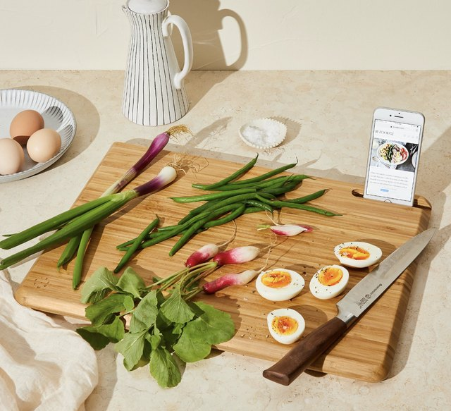 16 Pieces of Minimalist Cookware That Will Streamline Your Kitchen | Hunker