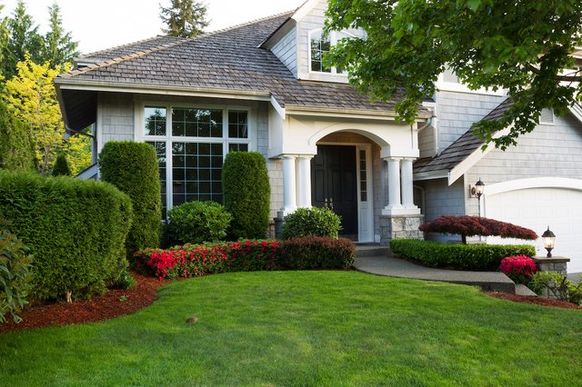 4 Tools You Need to Makeover Your Lawn So It's the Prettiest On the Block | Hunker