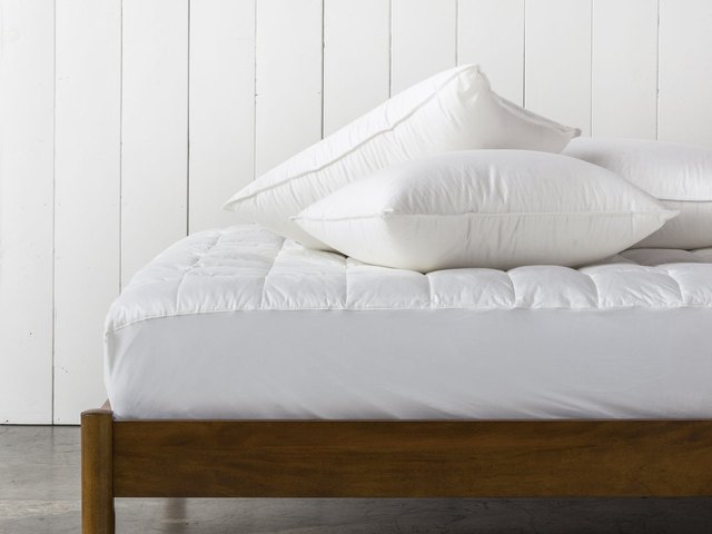 We Tested 18 Popular Pillows — Here Are Our Honest Reviews | Hunker