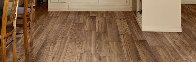 A Homeowners Guide To Ceramic Tile Floors Hunker