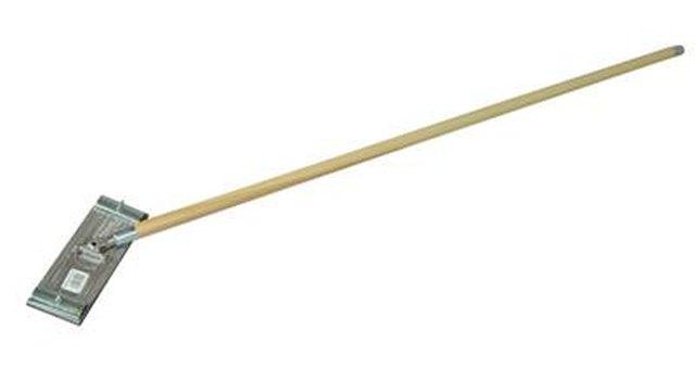 Drywall pole sander.