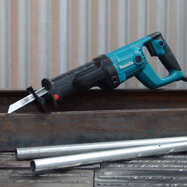 Recipro saw manufactured by Makita
