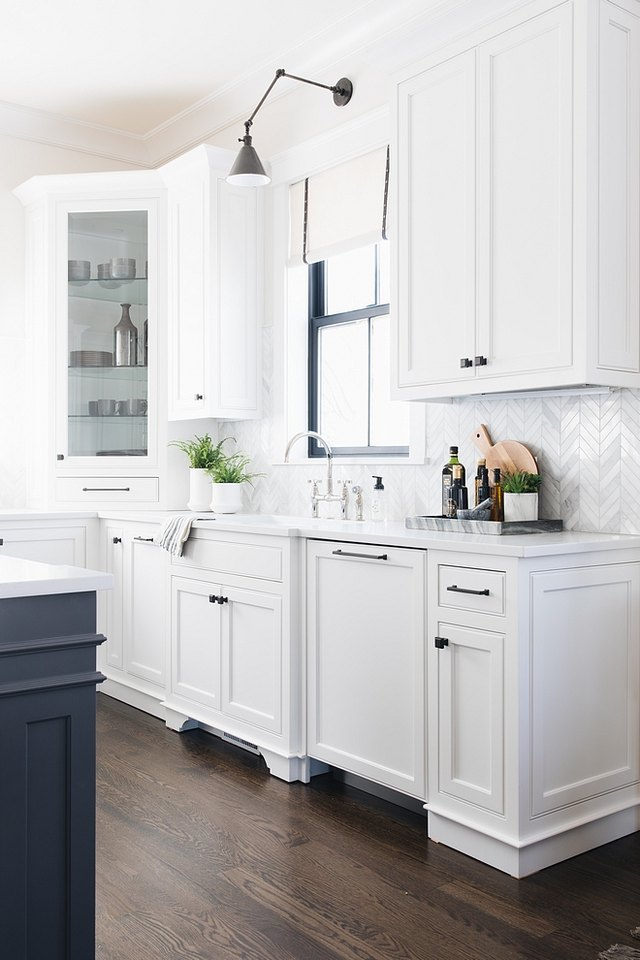Simply White paint, Benjamin Moore