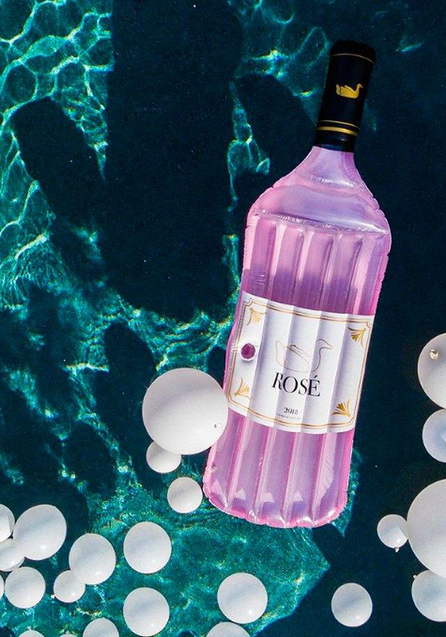 rosé pool float