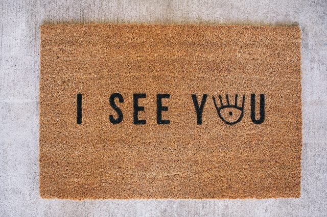 DIY doormat that comes with a cute (free) printable design