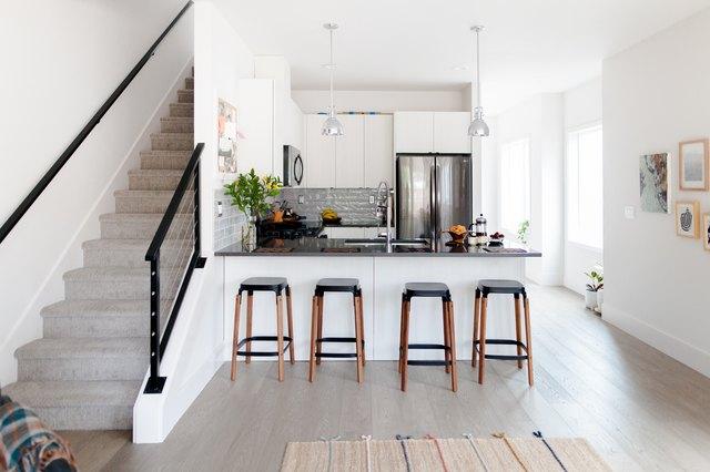 Rubber Kitchen Flooring: A Homeowner's Comprehensive Flooring Guide | Hunker