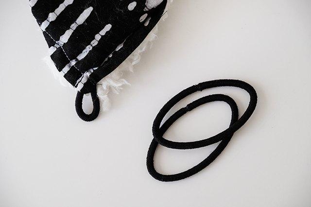 sew elastics into the 4 corners
