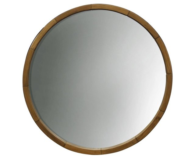Round mirror with wood border