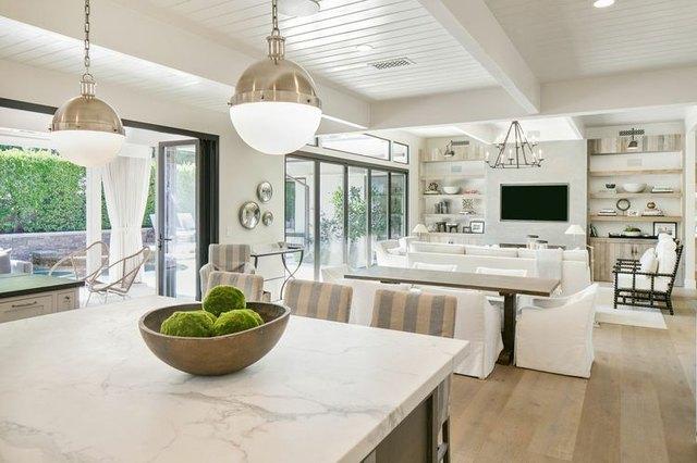 9 Coastal Decor Ideas That Work Even If You Love Modern Design   Hunker