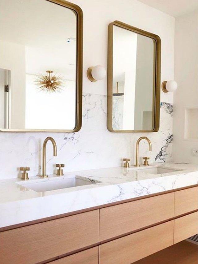 mandy moore bathroom