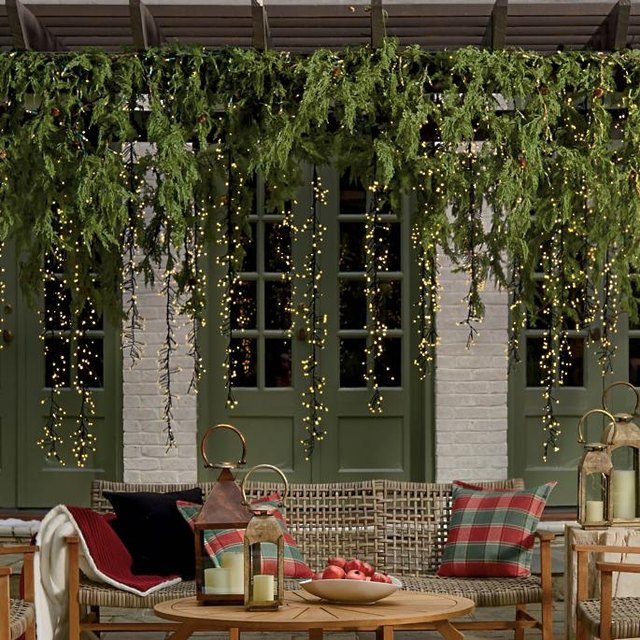 These Exterior Christmas Decoration Ideas Will Help Your Holiday Spirit Shine Through | Hunker