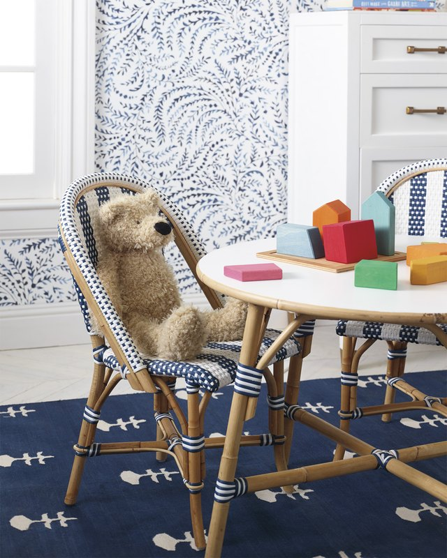 kids play table and chairs in bedroom