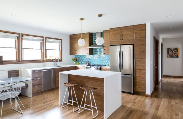 midcentury kitchen with blue backsplash