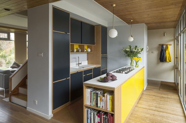 yellow pops of color throughout kitchen