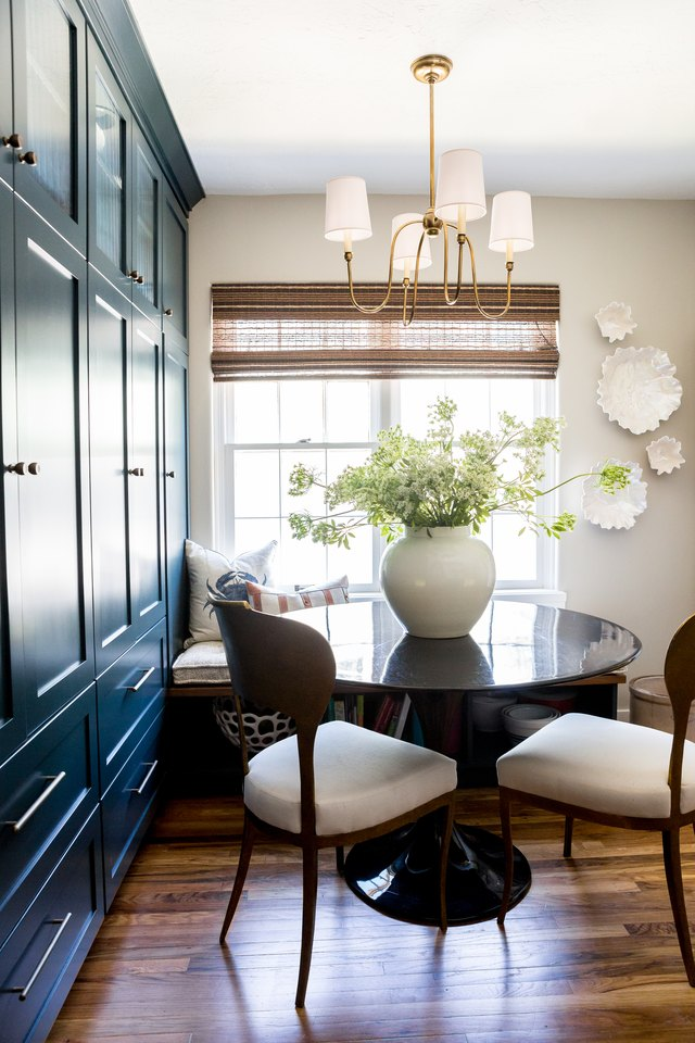 dining room with blue walls