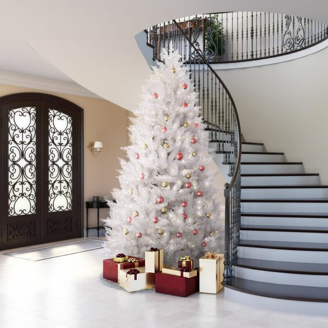 These White Christmas Tree Ideas Will Make Your Yuletide Light and Bright | Hunker