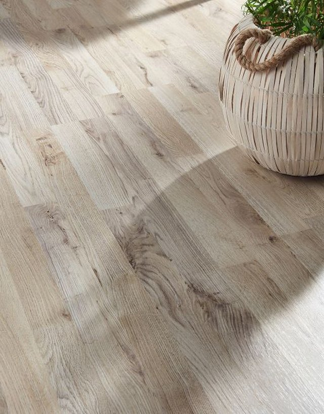 Laminate Flooring What You Need To Know Hunker