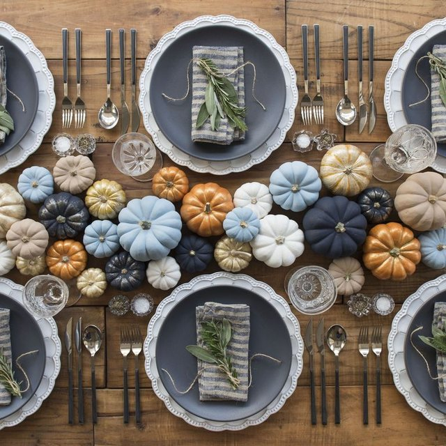 These Beautiful Thanksgiving Table Settings Are Seasonal Eye Candy