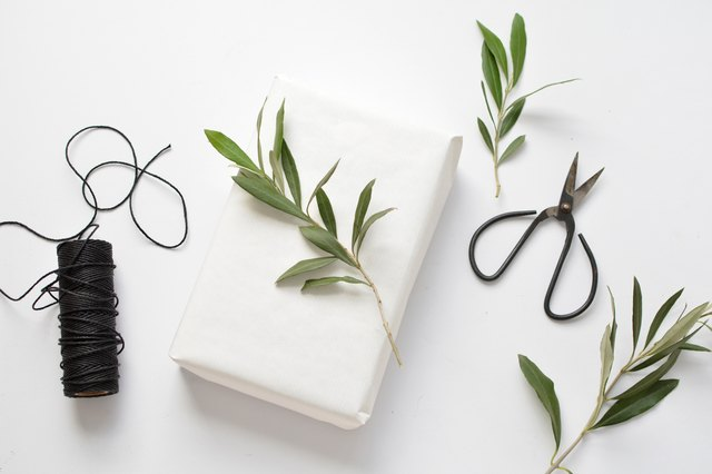 3 Ways to Wrap Gifts