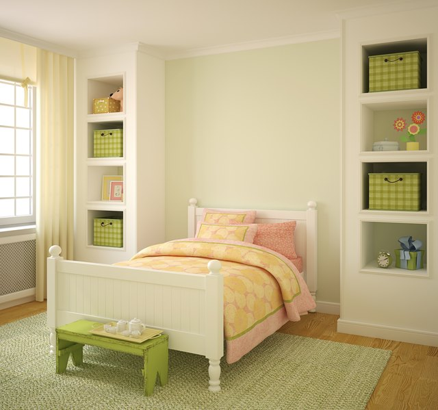 Difference Between Panel Beds & Platform Beds | Hunker