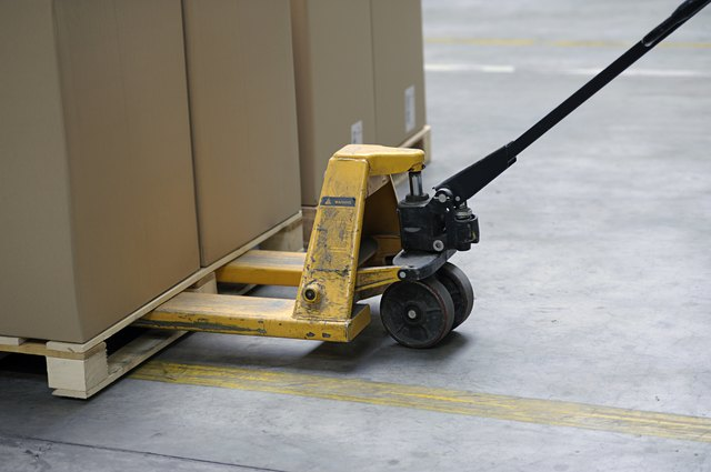 pallet truck with carton boxes