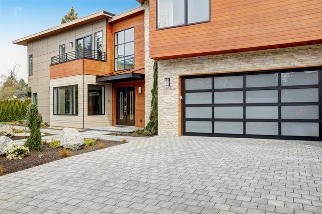Contemporary style home in Bellevue