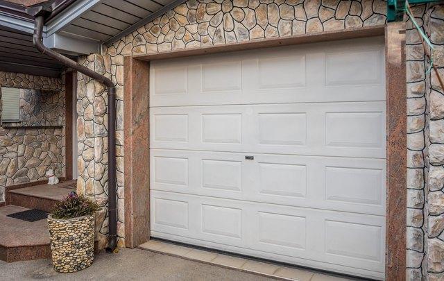 garage door pvc. credit: mirsad sarajlic/iStock/GettyImages. How to Choose the ... & How to Choose the Right Size Garage Door Opener | Hunker