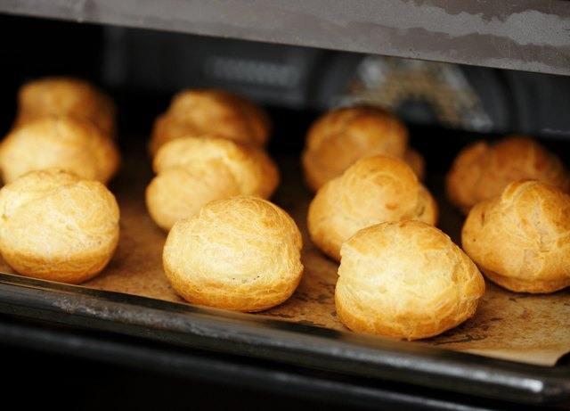 Cream puffs in electric oven