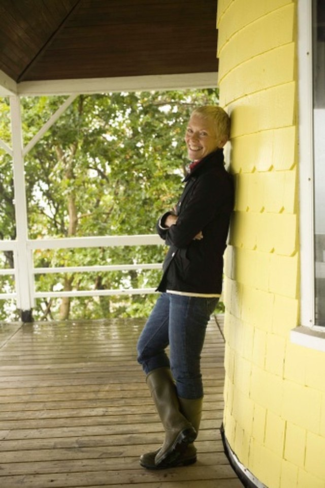 What Can I Use to Block the Wind on My Porch? | Hunker