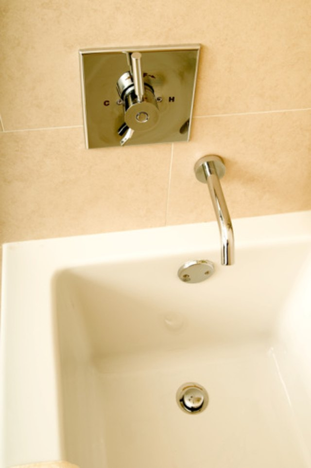 How To Clean A Really Dirty Plastic Bath Tub Hunker