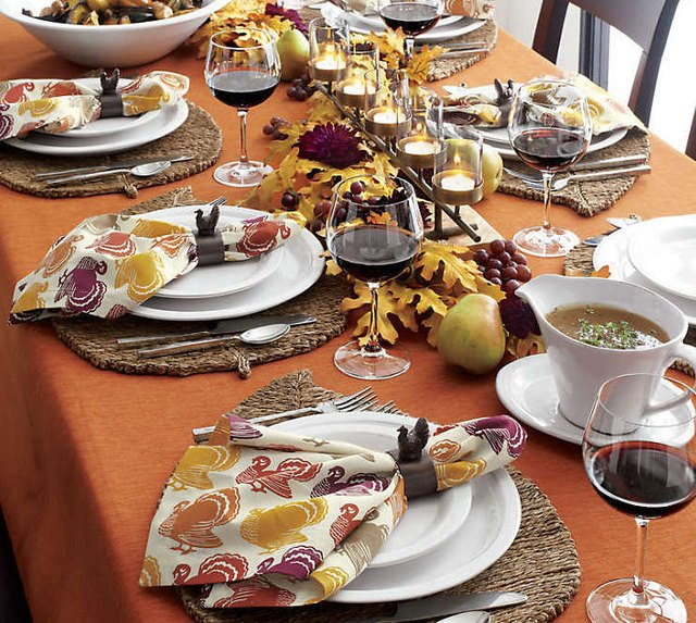 15 Thanksgiving Linen Ideas to Dress Up Your Table   Hunker