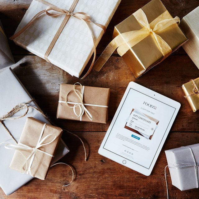 17 Brilliant Gift Cards That Are Actually Thoughtful   Hunker