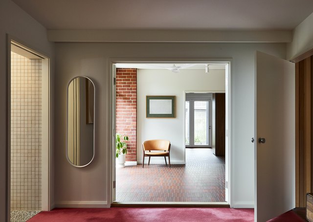 Midcentury Modern Hallway Ideas That Have the Perfect Amount of Retro Flair | Hunker