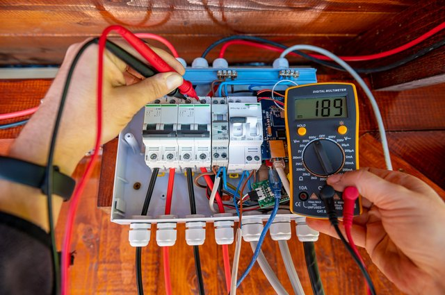 How to Hire an Electrician | Hunker