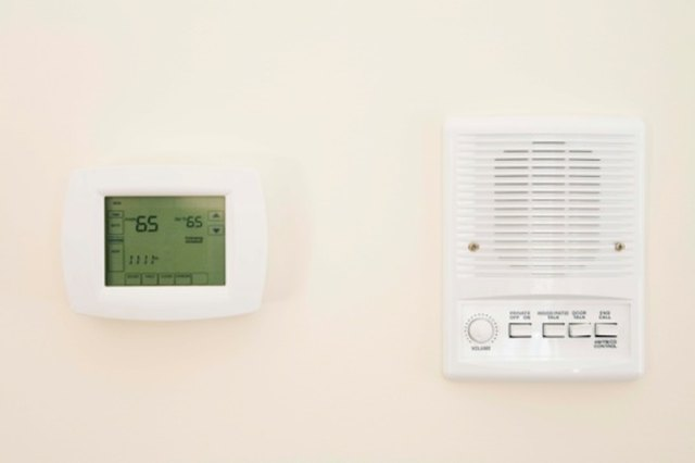How to Troubleshoot a Honeywell Heat Pump Thermostat | Hunker
