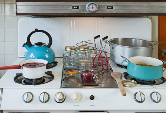 How to Use an Oven Cooking Range | Hunker