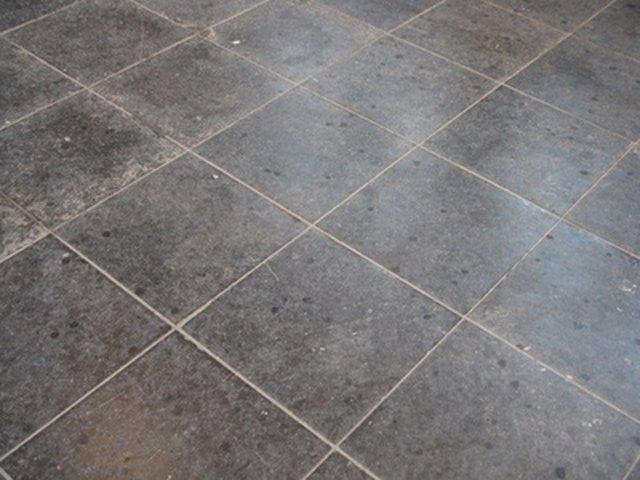 How To Install A Sheet Vinyl Floor Hunker - Installing sheet vinyl flooring