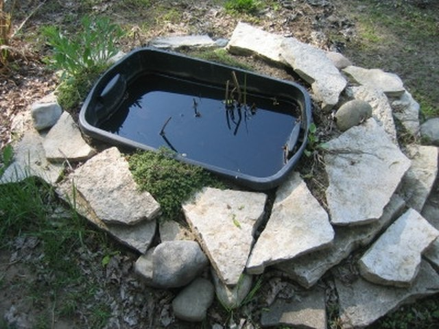 How To Make A Garden Pond With A Rubbermaid Container Hunker