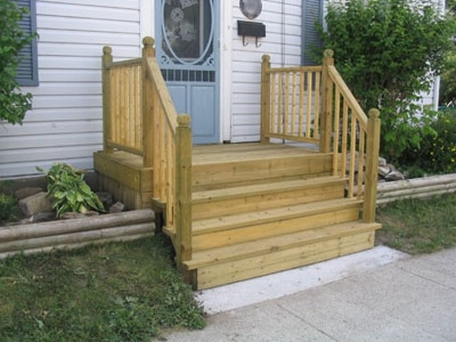 Beau How To Build A Four Step Porch For A Mobile Home | Hunker