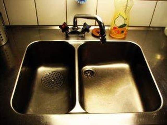 How Does A Kitchen Sink And Faucet Work?