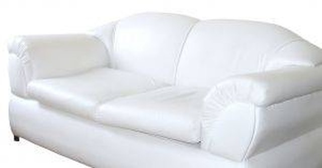Merveilleux How To Clean A White Sofa | Hunker