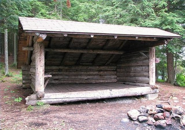 Build A Wood Lean To Shelter .