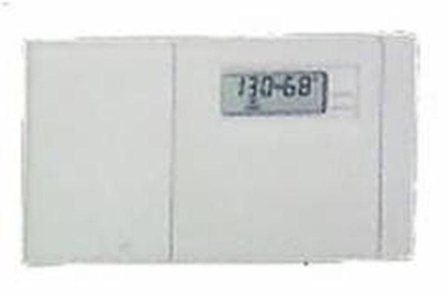 how to program honeywell t8112d thermostat hunker rh hunker com honeywell model t8112d1005 manual honeywell t8112d1005 manual pdf