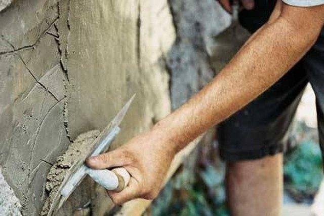 How to make stucco hunker - How to repair exterior stucco cracks ...