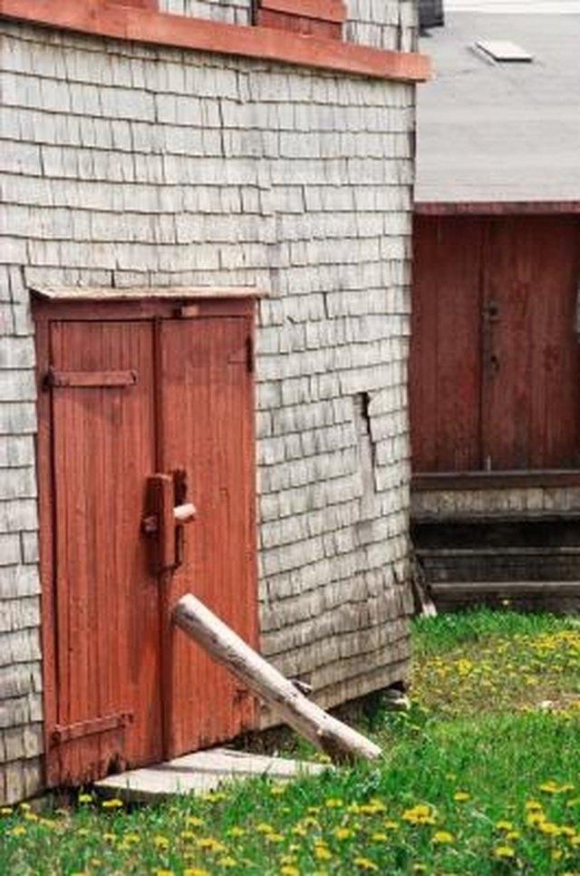 how to hinge a shed door hunker. Black Bedroom Furniture Sets. Home Design Ideas